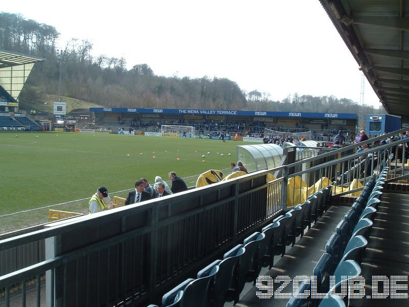 Wycombe Wanderers - Shrewsbury Town, Adams Park, League Two, 07.04.2007 - Home Terrace from Main Stand