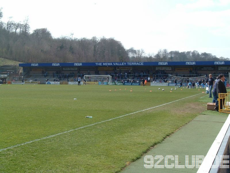 Wycombe Wanderers - Shrewsbury Town, Adams Park, League Two, 07.04.2007 - Home Terrace