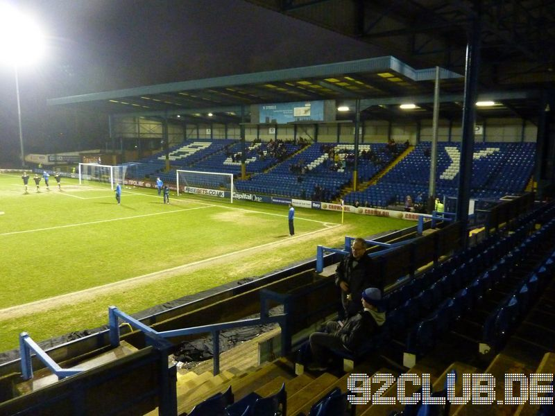 Bury FC - Shrewsbury Town, Gigg Lane, League One, 21.12.2012 -